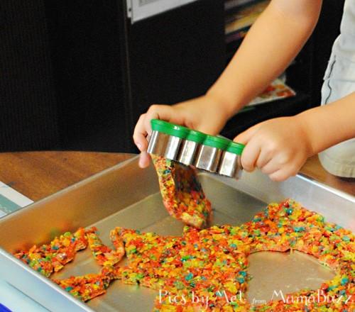 Holiday Edible Kids' Craft: Fruity Pebble Christmas Trees ...