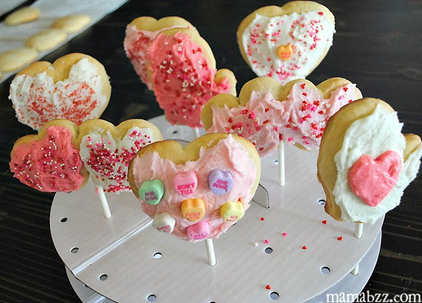Valentine's Day Cookie Pops in pop stand