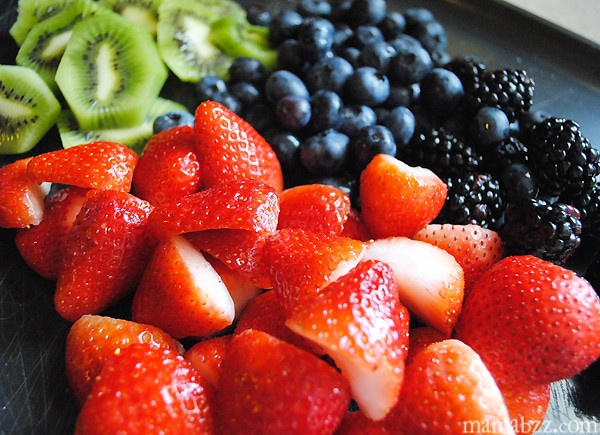 Slice up fresh fruit