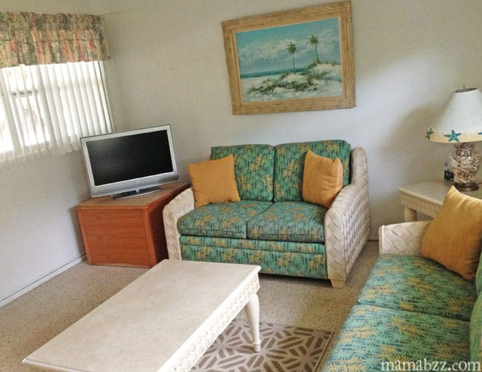 Living area in Anchor Inn and Cottages Room Sanibel