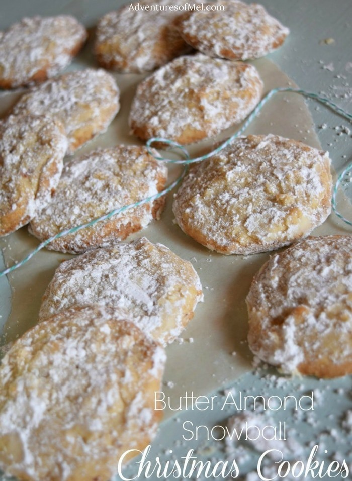 Butter Almond Snowball Cookies, one of my favorite Christmas cookies ever. Dusted with powdered sugar for a melt in your mouth goodness like no other dessert.