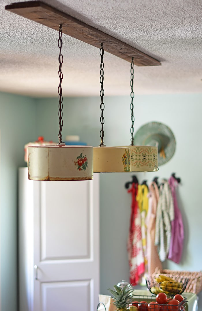 How to upcycle vintage cake tins to diy light fixtures for Diy kitchen light fixtures