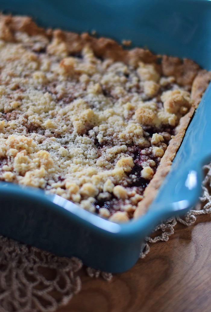 Need a simple dessert recipe? How to make a simple yet scrumptious dark cherry cobbler (or any fruit cobbler, for that matter) with a recipe that's simple and easy to follow. Prep in 20 minutes, bake, and serve with a scoop of vanilla ice cream. Yum!
