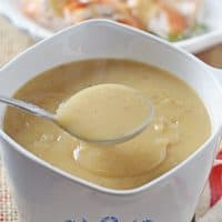 How to make homemade turkey gravy to go along with your Thanksgiving and holiday dinner. Mashed potatoes just wouldn't be the same without this delicious side dish.