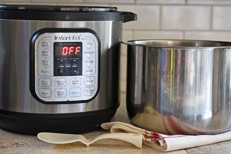 Instant Pot pressure cooker with liner