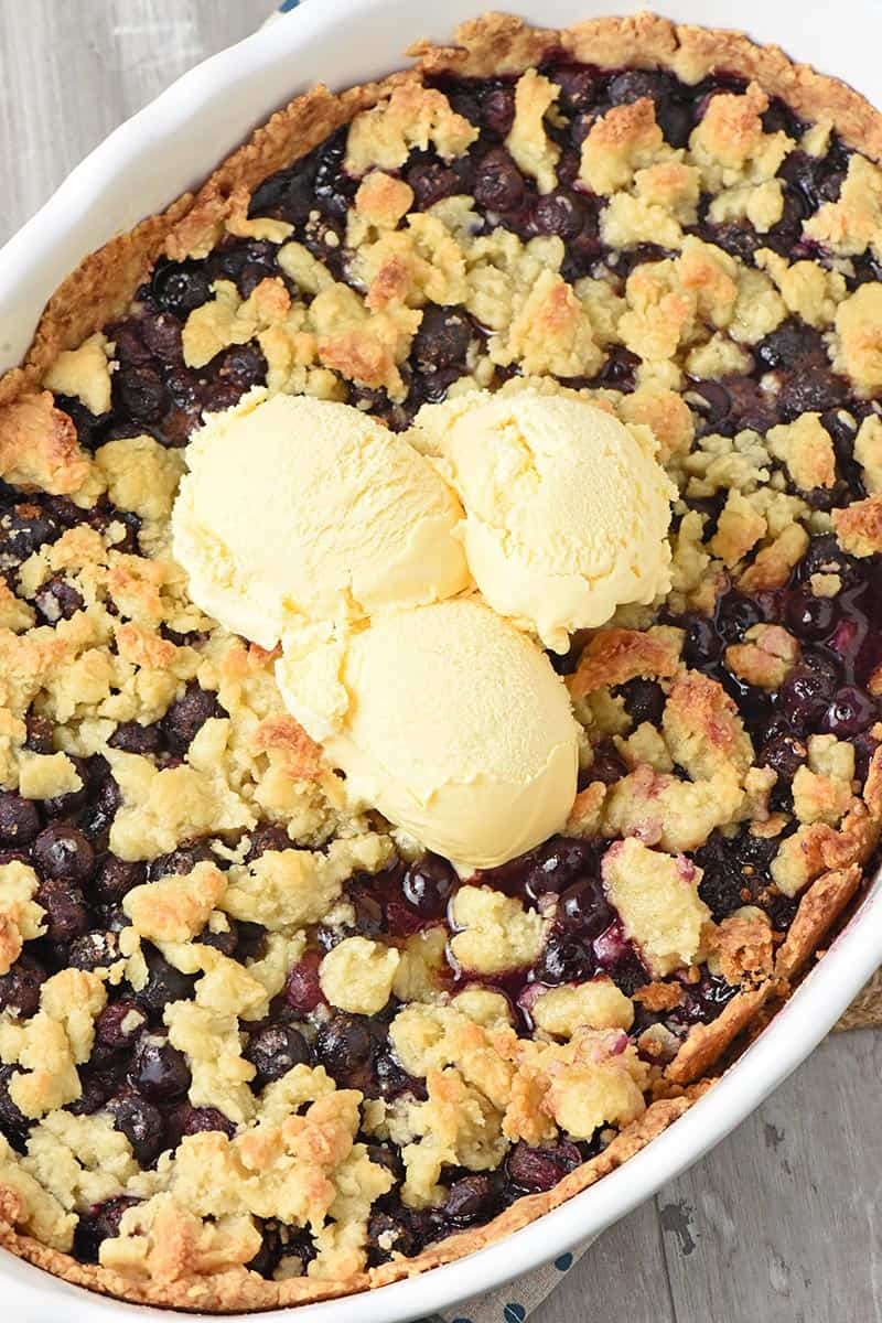 old-fashioned recipe for blueberry cobbler with vanilla ice cream