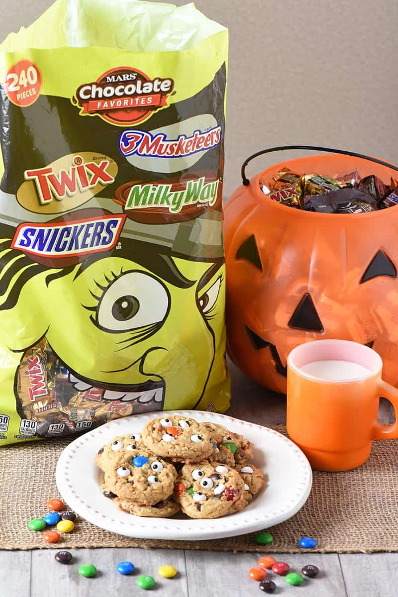 Mixed Minis Witch Bag from Mars Candy, perfect for making monster cookies for Halloween