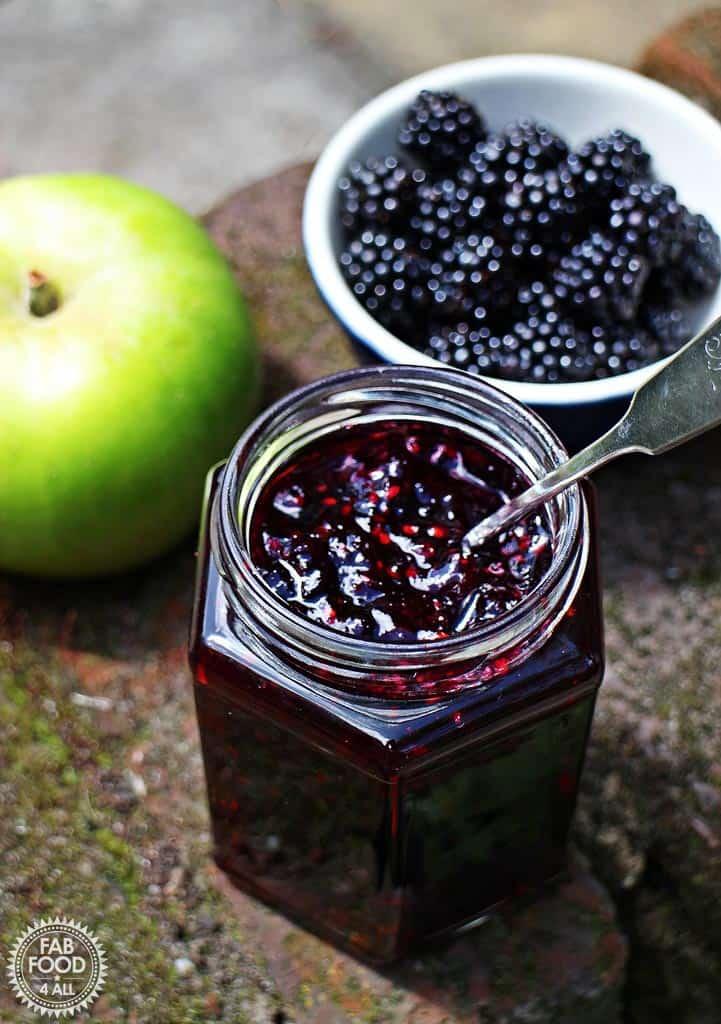 Easy Blackberry and Apple Jam