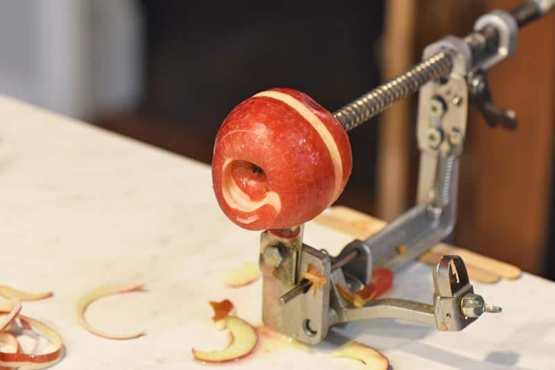 coring apples for cinnamon applesauce with johnny apple peeler