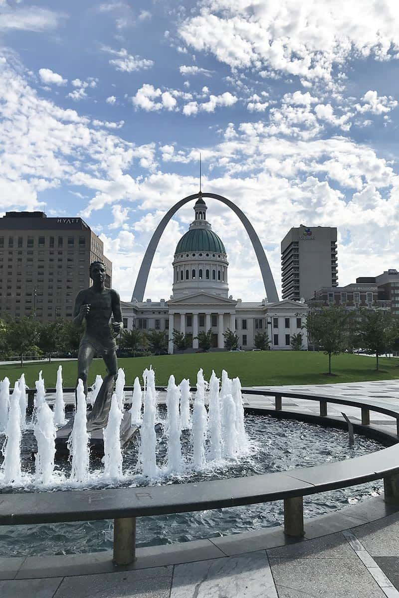 Running fountain in front of the Old Courthouse and the Arch in St. Louis, Missouri