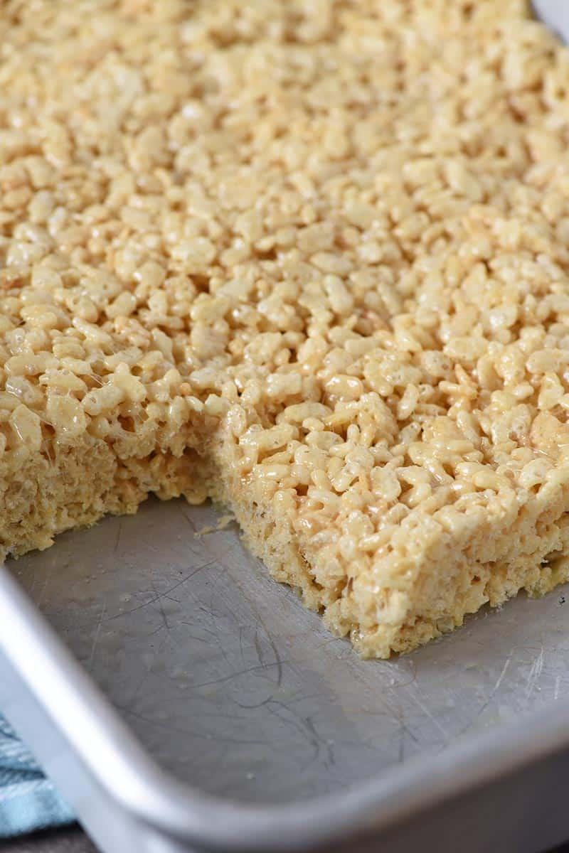 cutting Rice Krispie treats in baking pan