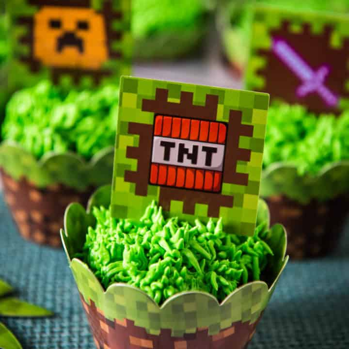 Minecraft Cupcakes with Easy Grass Frosting